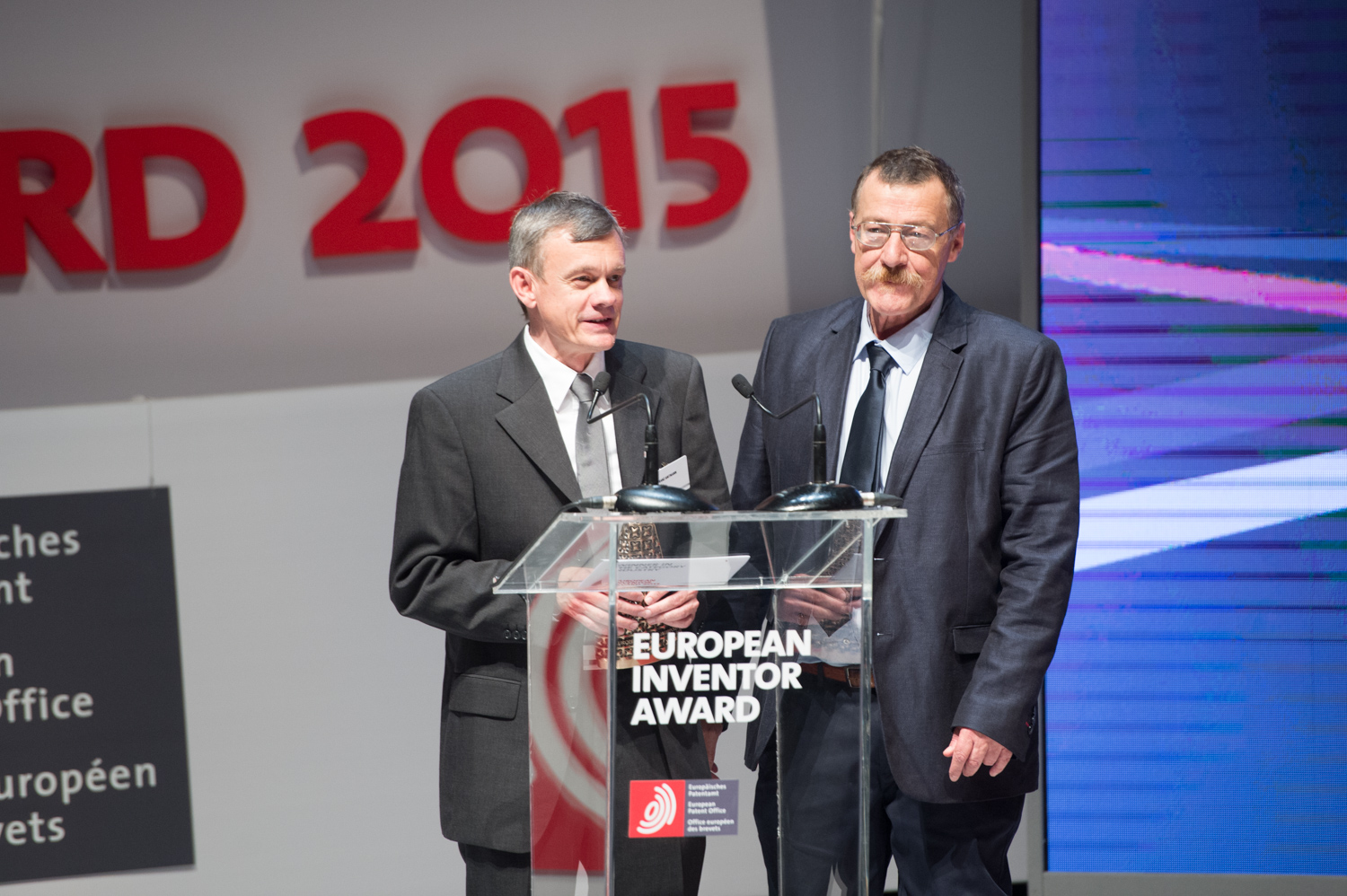 Franz Amtmann (Austria) and Philippe Maugars (France), winners of the European Inventor Award 2015 in the Industry category, at the ceremony at the Palais Brongniart in Paris on 11 June.