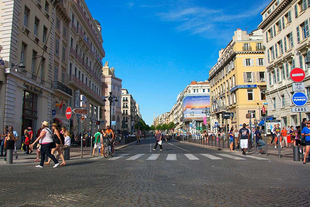 нужно фото улиц марселя незаменимое место для